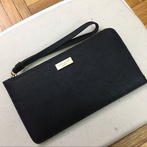 kate spade saffiano leather black wristlet